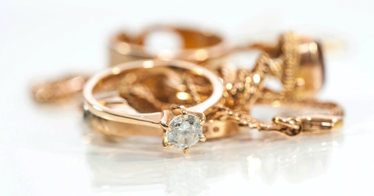 How_to_Clean_Gold_Jewelry